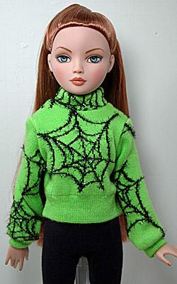 20cm Tiny Betsy McCall Kaki Short Pants, White Sweater and
